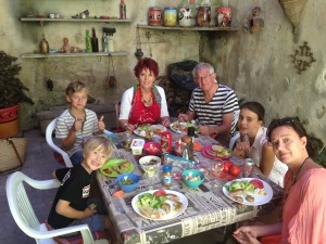 Family meal in Fabrezan