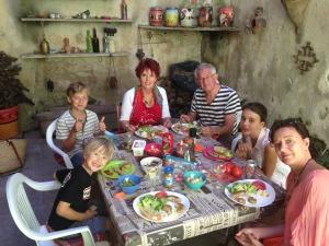 Family meal in Fabrezan